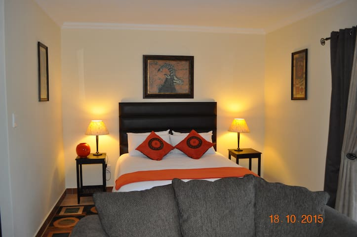 SereNight Guesthouse