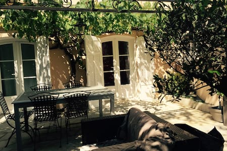 Cosy little appartment with terace - Cannes