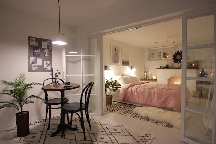 A SWEETHOME near Hongik univ. Beautiful house! - Mapo-gu - House