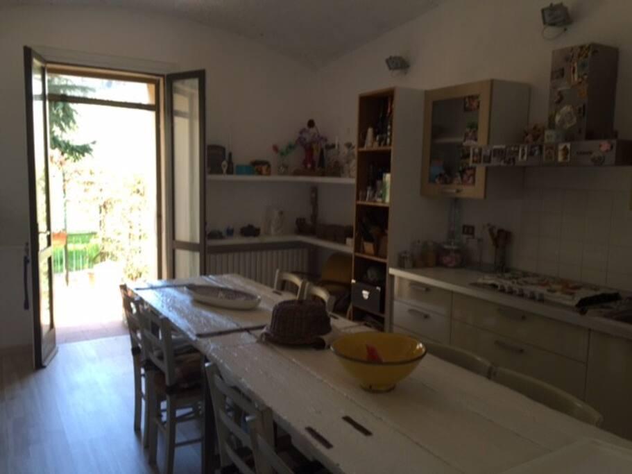 cucina vista dalla scala