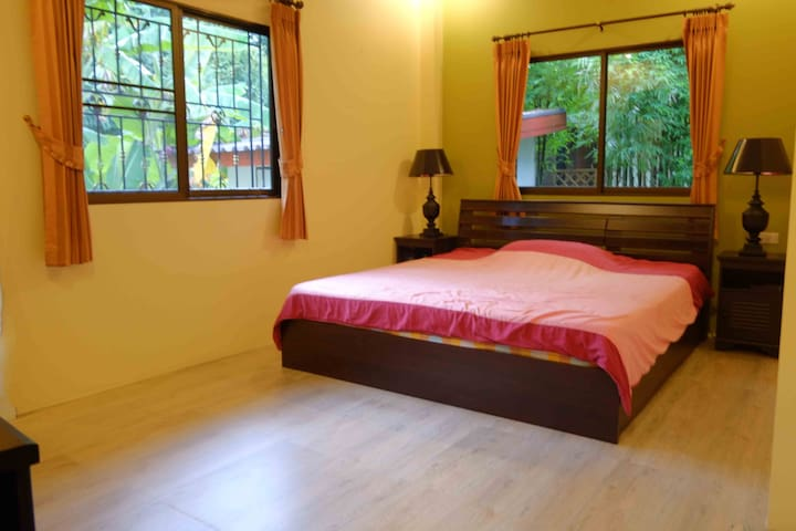 Peaceful relaxing home in Chiang Mai. - San Sai District - House