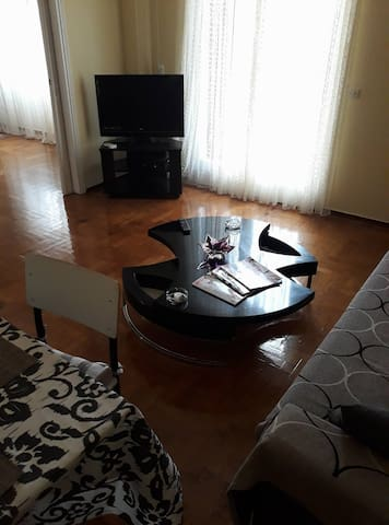 51m­² Apartment - 700m from Piraeus metro station!