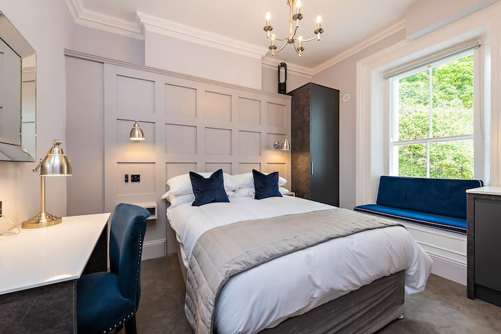 STUNNING NEW Georgian Rooms - Room 5
