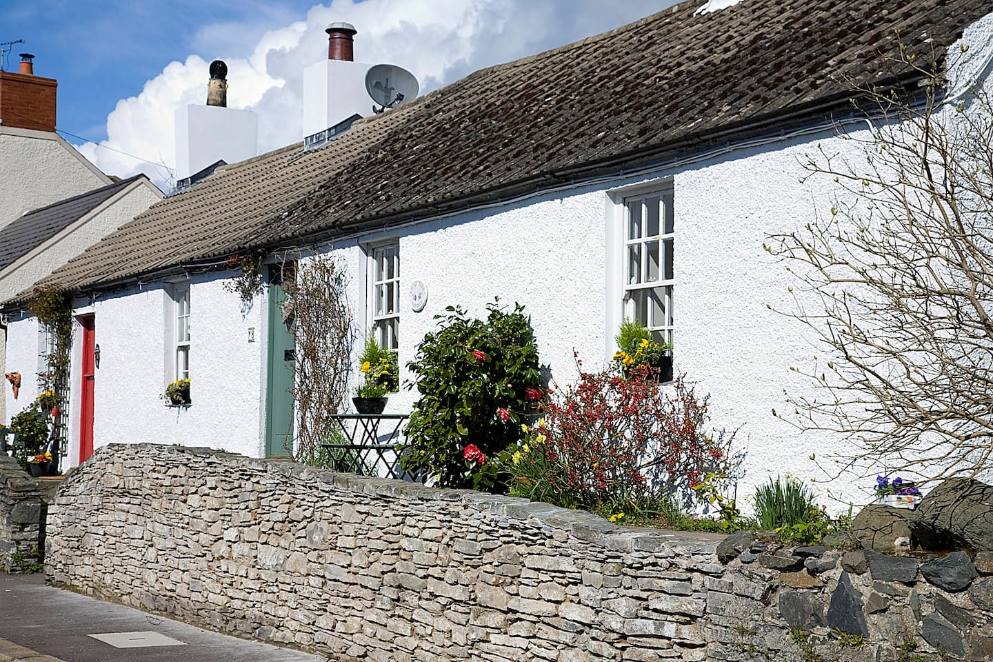 Lilac Tree Cottage is next door to Rose Cottage - which is also listed on Airbnb for holiday rental