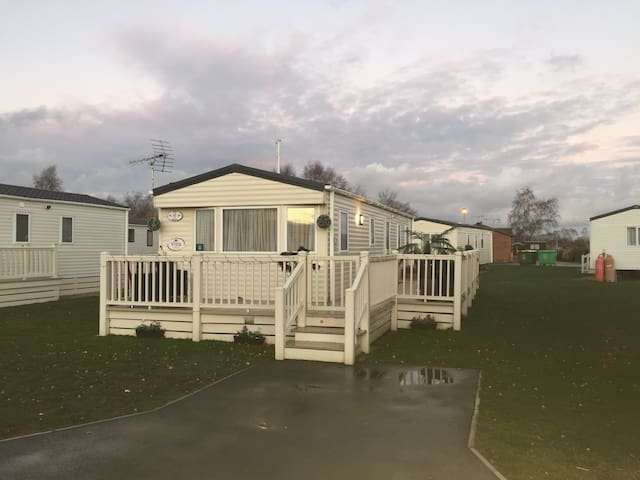 TWO 3 BEDROOM STANDARD 8 BERTH CARAVANS HOT TUB