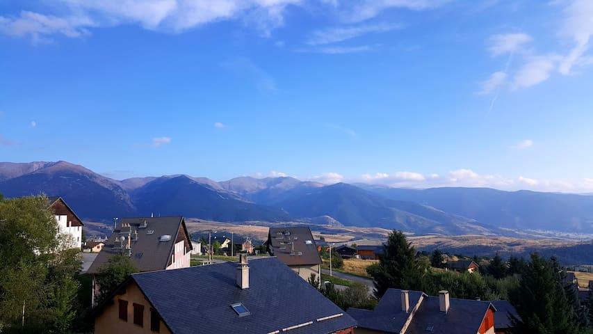 Studio exposé sud avec vue sur les montagnes - Font-Romeu-Odeillo-Via - Departamento