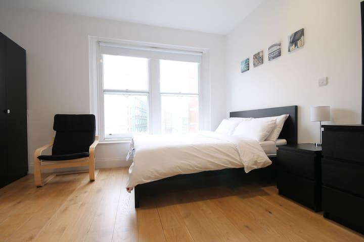 City Centre Apartment in Listed Building - Apt 34 Waterloo - The Bruce Building