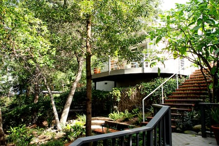 Hollywood Hills Cottage Escape - Los Angeles - Guesthouse