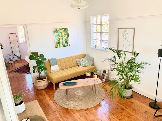 Double volume ceilings and spacious lounge