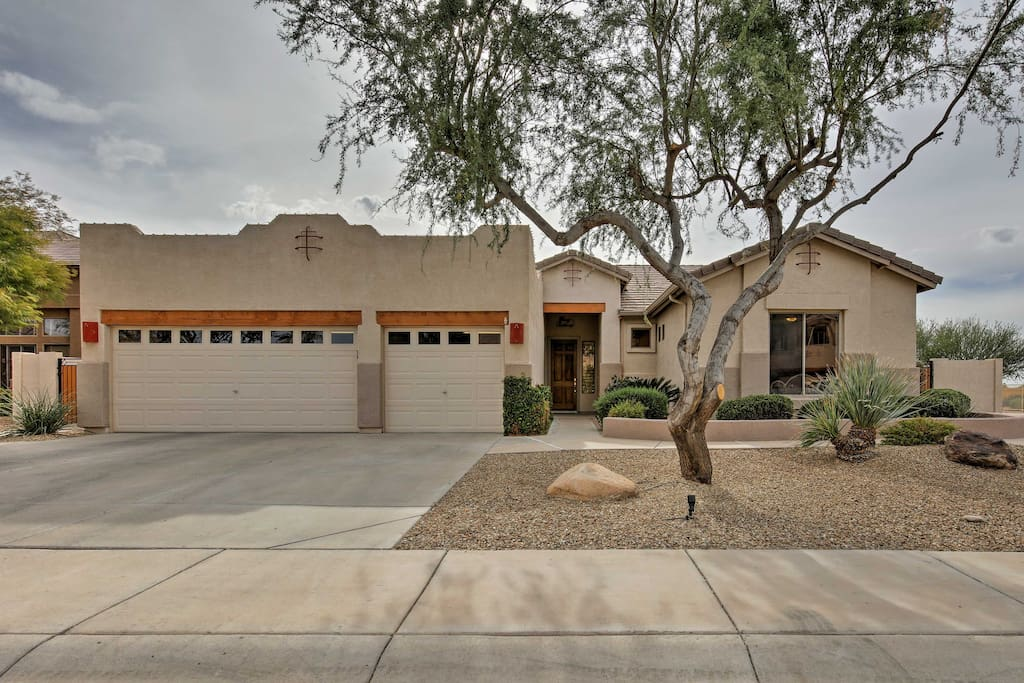 This property is the perfect Arizona escape for up to 8 guests.