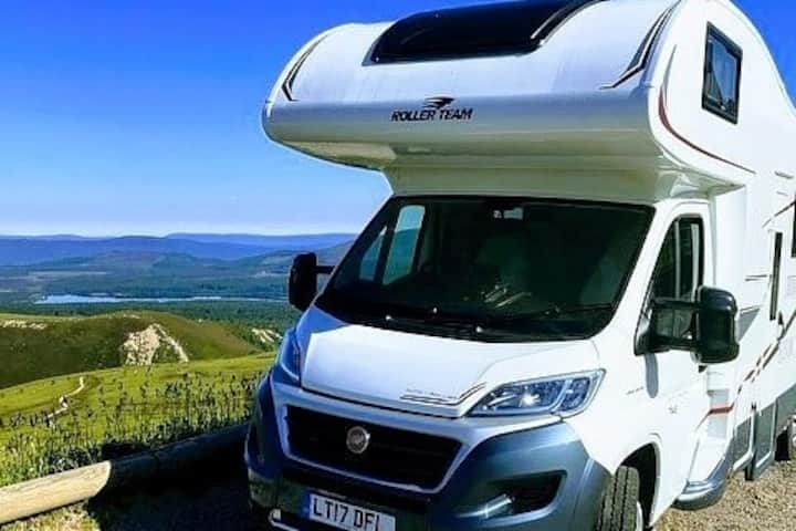 Luxury 6 bed Motorhome/RV/Camper