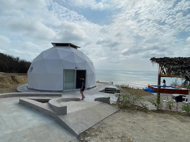 La Calma, stay at a Geodesic Dome with ocean view