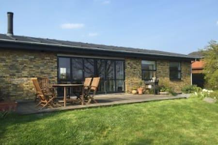Familievenligt hus med lys og luft - Kerteminde