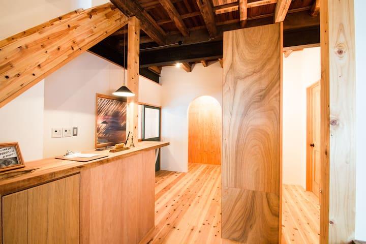 Good Coffee/ Dormitory Bed for 1 person/Dotonbori