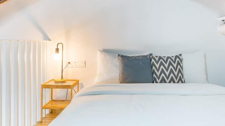 风雅浪漫日式loft房 接送迪士尼 独立卫浴 独享客厅 与其他人无共用空间