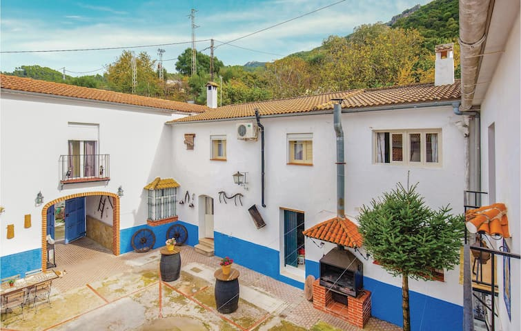 Terraced house with 4 bedrooms on 100m² in El Bosque