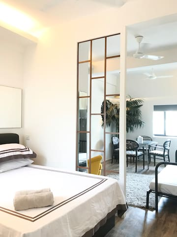 H - Modern Luxe City Apt at Tiong Bahru