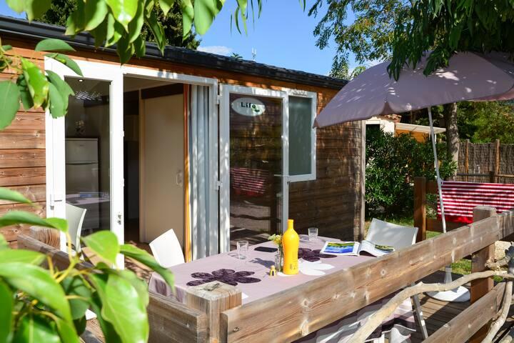 Lodge bois dans un village préservé en bord de mer - Le Pradet