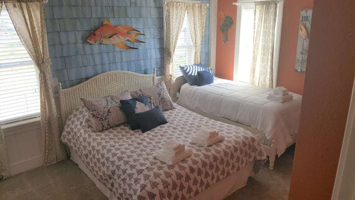 Pierhouse B&B - Pier Breeze Room