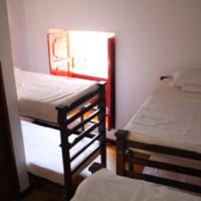 Dormitorios con baño privado./Share room