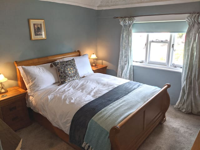 B&B Double Room in a 13th Century Manor House