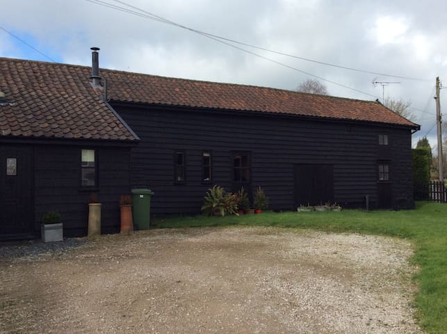 Barn conversion in rural location near Diss - Roydon - Hus