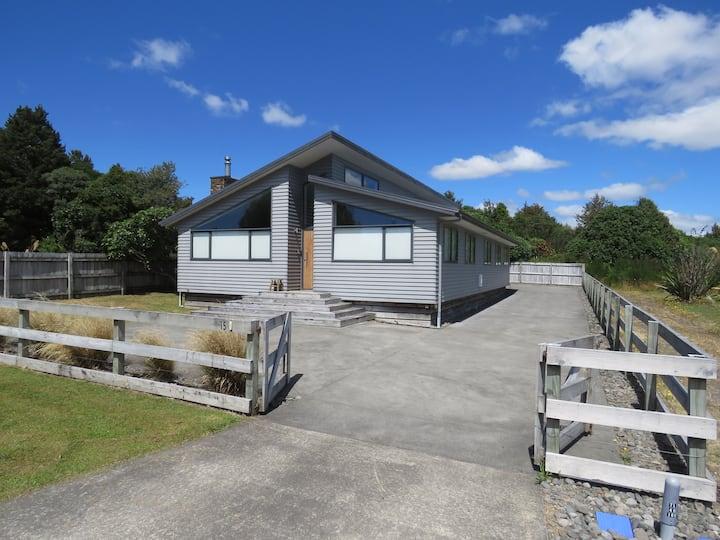 Tongariro House
