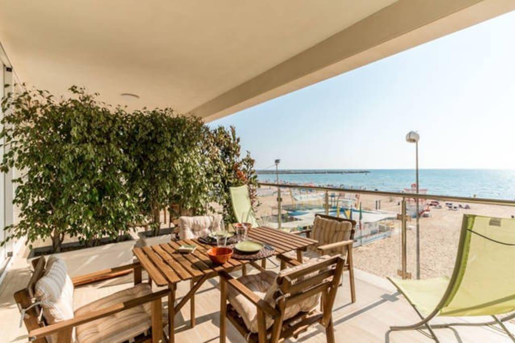 Casa vacanze sole e sabbia a appartamenti in affitto a for Casa vacanze milano