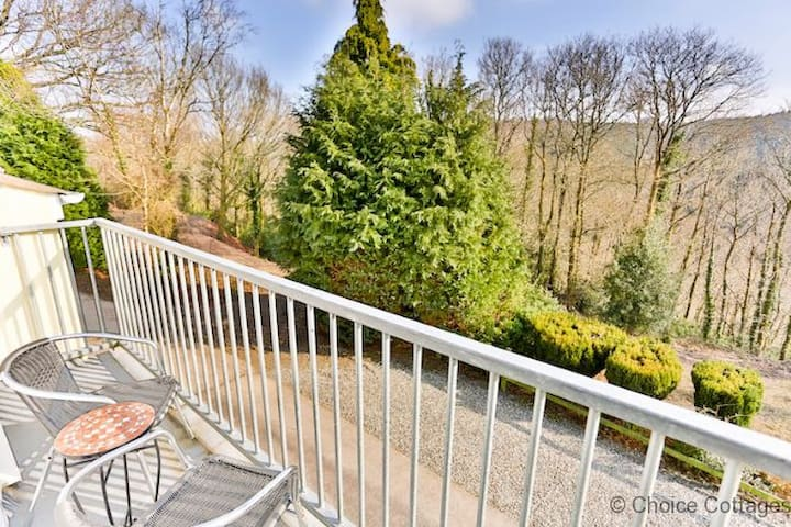 WINDERMERE LODGE Idyllic woodland setting | 2 Bedrooms | Forest Park Lodge | Golf Course| Pet friendly |
