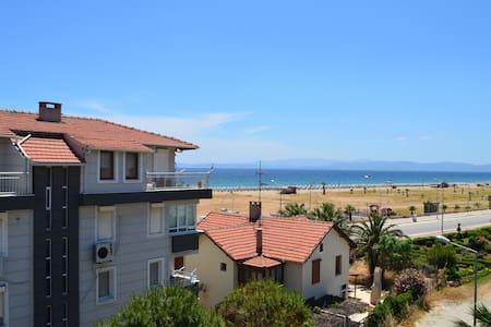 Sarımsaklı plaja 1dk, deniz manzaralı 3+2 dubleks