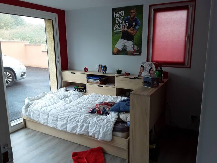 Chambres agréables et fonctionnelles beaujolaises