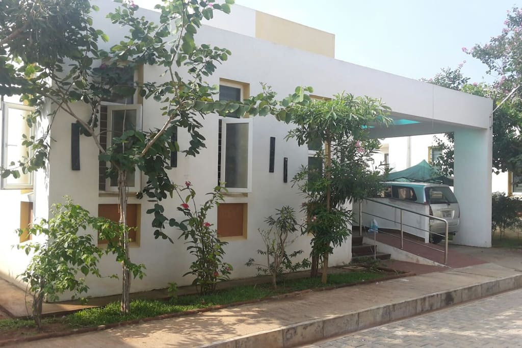 3 room 6 bed villa on ecr for a great family stay houses for rent in puducherry puducherry for Villas in pondicherry with swimming pool