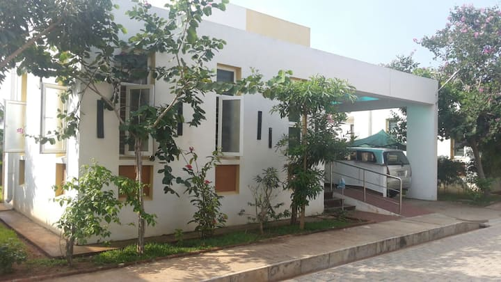 Stylish family villa on ECR - close to Auroville