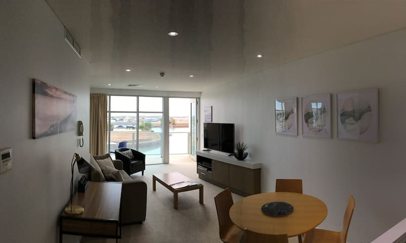 Wallaroo Marina Waterfront Apartment