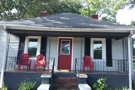 10 minute walk from downtown Greenville