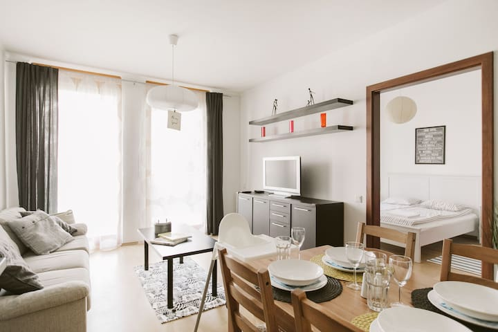 1 BD, Wi-Fi, Terrace, Underground Parking @River - Budapest - Apartment