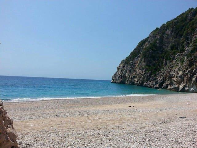 VILA MELPO - Dhërmi - Ev