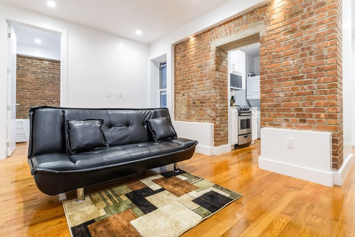 Stunning brick apt mins away from Times Square