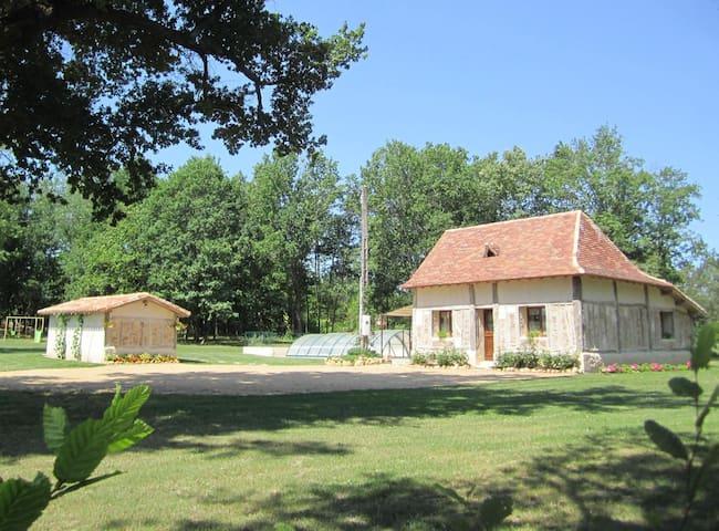 Maison typique périgourdine au calm - Saint-Laurent-des-Hommes - Rumah