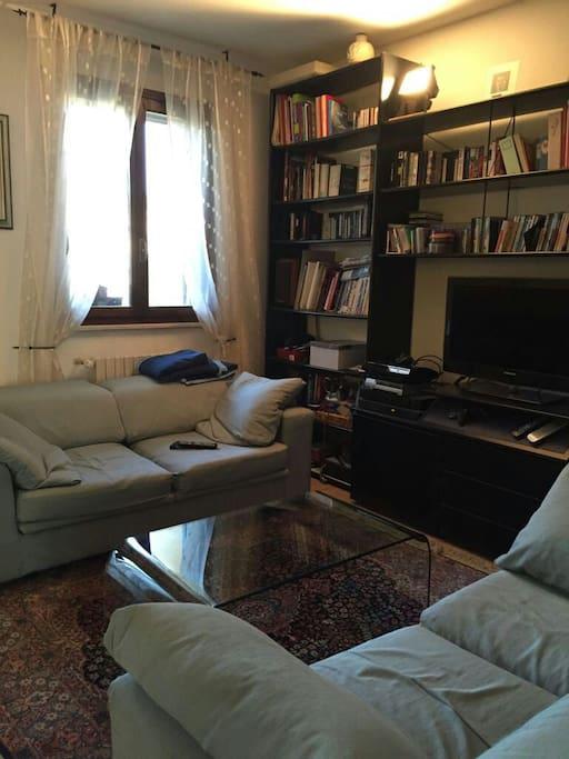 Salotto con due divani allungabili