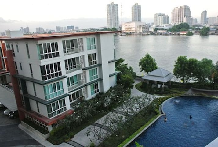 Riverview 1BR+Free WIFI+Cable TV+easy to BTS - Bangkok - Osakehuoneisto