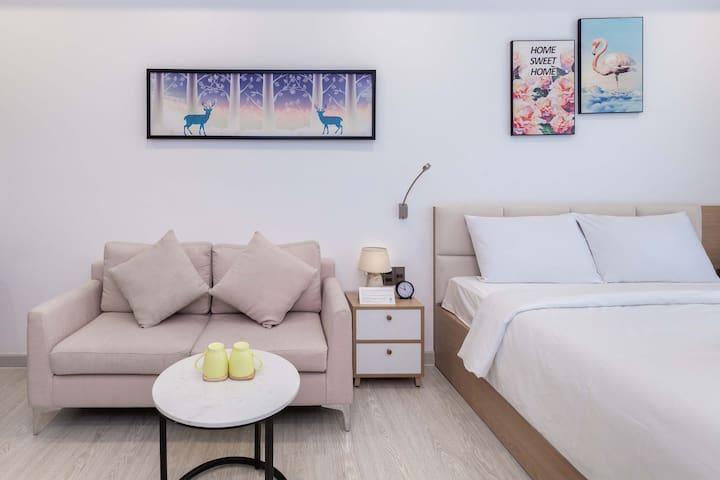 Cozrum Homes ✯ Spacious Corner w Stunning Design