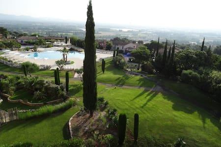bel appartement avec une jolie vue - Roquebrune-sur-Argens