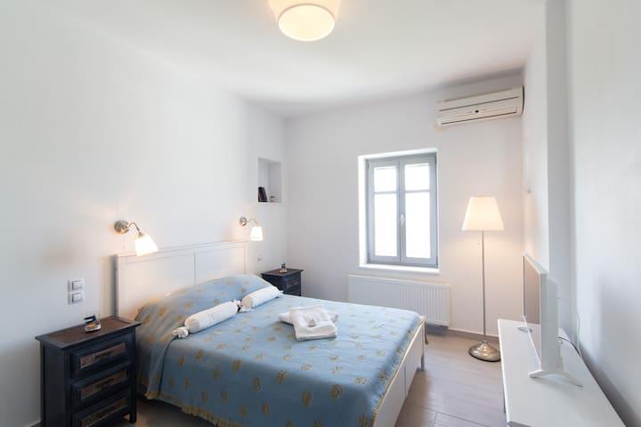 2nd bedroom - ground floor
