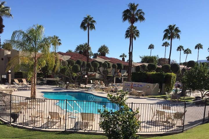 Perfect Palm Springs Retreat in Great Location.