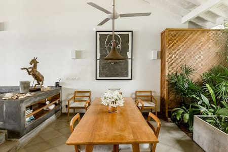 Serviced Villa Within the Galle Fort Facing the Ocean