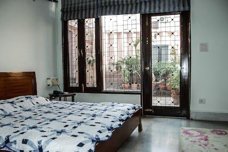 Maulsari Garden Room - Нью-Дели
