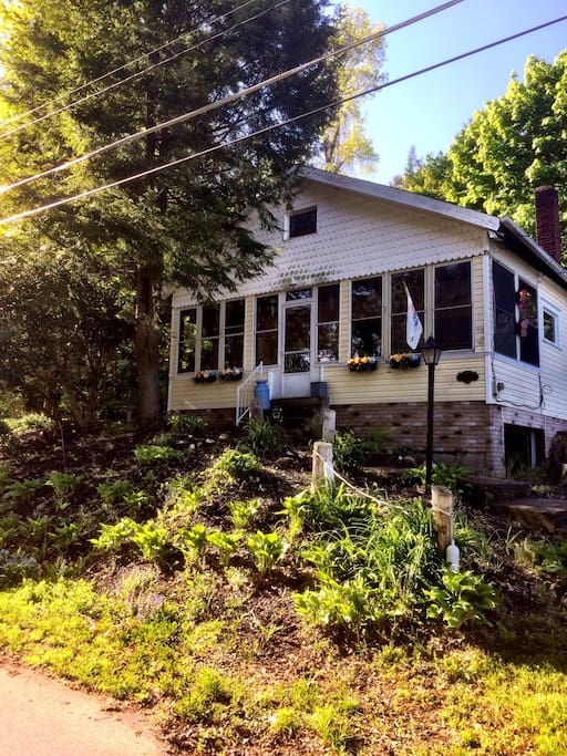 Beautiful Cottage One Block To Lake Cottages For Rent In