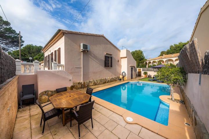 Typisch mallorquinisches Stadthaus mit Pool – Casa Manolo