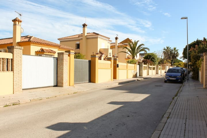 Spacious and spectacular villa in Chiclana